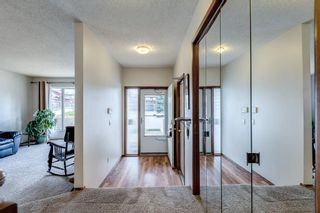 Photo 2: 8 Edgeland Bay NW in Calgary: Edgemont Detached for sale : MLS®# A1103011