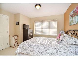 """Photo 13: 18 6238 192ND Street in Surrey: Cloverdale BC Townhouse for sale in """"BAKERVIEW TERRACE"""" (Cloverdale)  : MLS®# F1420554"""