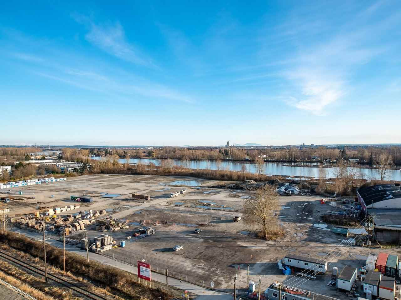 """Main Photo: 1301 8570 RIVERGRASS Drive in Vancouver: South Marine Condo for sale in """"AVALON PARK 2 - RIVER DISTRICT"""" (Vancouver East)  : MLS®# R2444110"""