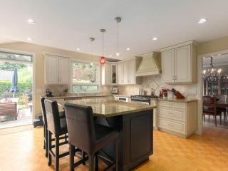 Photo 6: 5195 SARITA AVENUE in North Vancouver: Canyon Heights NV House for sale : MLS®# R2396162