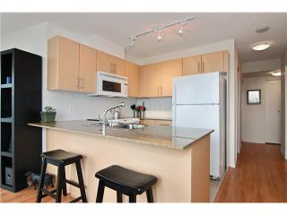 """Photo 3: 809 550 TAYLOR Street in Vancouver: Downtown VW Condo for sale in """"THE TAYLOR"""" (Vancouver West)  : MLS®# V838686"""