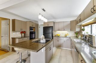 Photo 13: 2544 BLUEBELL Avenue in Coquitlam: Summitt View House for sale : MLS®# R2625984