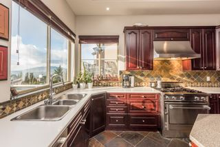 Photo 2: 11 GREENBRIAR PLACE in Port Moody: Heritage Mountain House for sale : MLS®# R2231164
