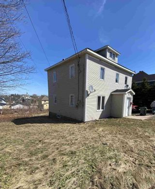 Photo 2: 646/648 Main Street in Sydney Mines: 205-North Sydney Multi-Family for sale (Cape Breton)  : MLS®# 202106861
