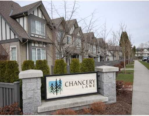 """Main Photo: 19 8533 CUMBERLAND Place in Burnaby: The Crest Townhouse for sale in """"CHANCERY"""" (Burnaby East)  : MLS®# V758358"""