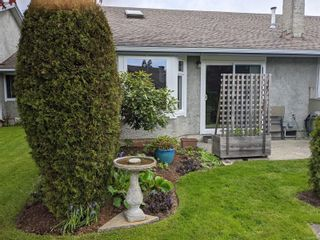 Photo 1: 93 2600 Ferguson Rd in : CS Turgoose Row/Townhouse for sale (Central Saanich)  : MLS®# 877819