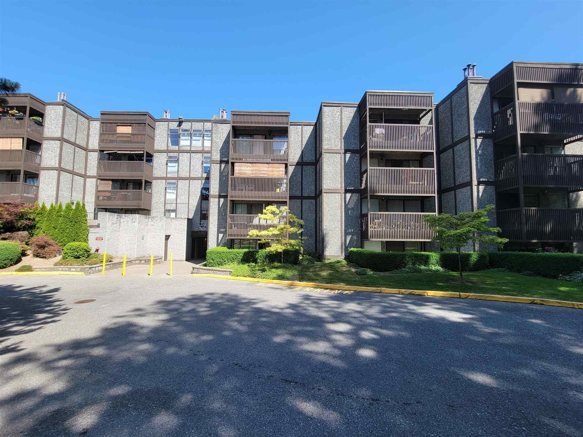 """Main Photo: 212 9672 134 Street in Surrey: Whalley Condo for sale in """"parkwoods"""" (North Surrey)  : MLS®# R2600119"""