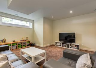 Photo 34: 3322 41 Street SW in Calgary: Glenbrook Detached for sale : MLS®# A1122385
