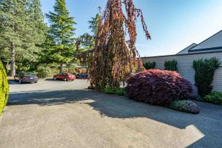 "Photo 3: 3641 NICO WYND Drive in Surrey: Elgin Chantrell Townhouse for sale in ""NICO WYND ESTATES"" (South Surrey White Rock)  : MLS®# R2455204"