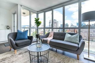 """Photo 2: 1505 907 BEACH Avenue in Vancouver: Yaletown Condo for sale in """"CORAL COURT"""" (Vancouver West)  : MLS®# R2591176"""