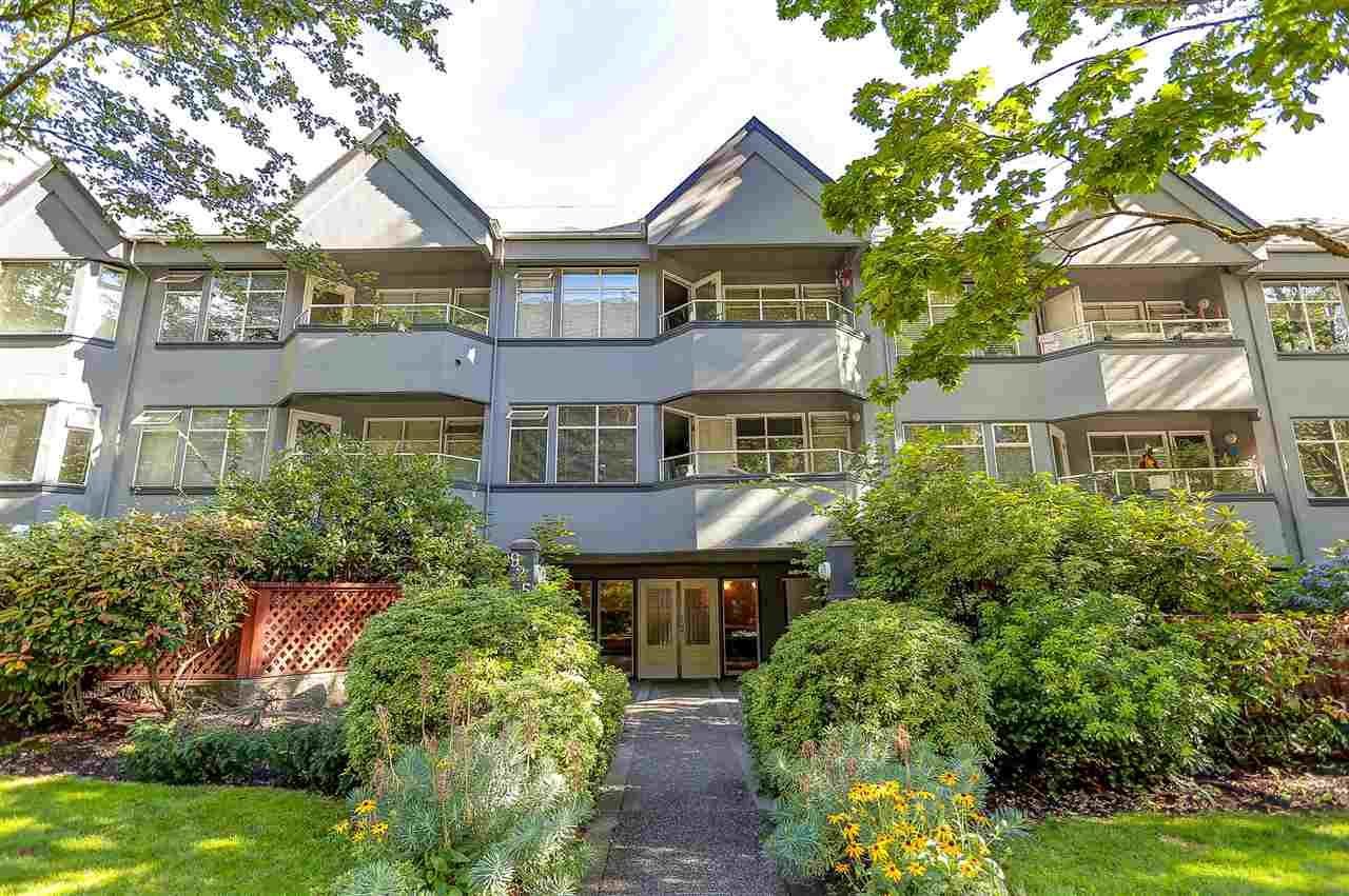 "Main Photo: 107 925 W 10TH Avenue in Vancouver: Fairview VW Condo for sale in ""Laurel Place"" (Vancouver West)  : MLS®# R2096518"