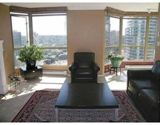 """Photo 3: 2602 867 HAMILTON Street in Vancouver: Downtown VW Condo for sale in """"JARDINE'S LOOKOUT"""" (Vancouver West)  : MLS®# V674303"""