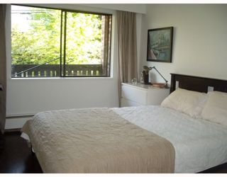 """Photo 4: 205 930 E 7TH Avenue in Vancouver: Mount Pleasant VE Condo for sale in """"Windsor Park"""" (Vancouver East)  : MLS®# V787227"""