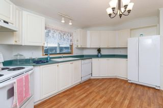 Photo 8: 26 7401 Central Saanich Rd in : CS Hawthorne Manufactured Home for sale (Central Saanich)  : MLS®# 867488