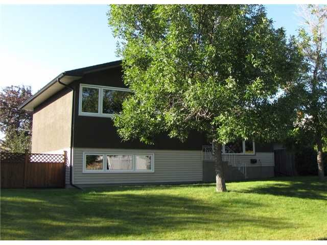 FEATURED LISTING: 53 FREDSON Drive Southeast CALGARY