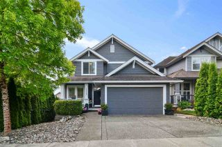 Photo 1: 19648 69A AVENUE in Langley: Willoughby Heights House for sale : MLS®# R2576230