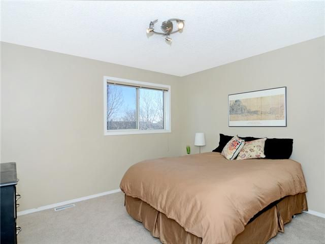 Photo 9: Photos: 51 MILLROSE Place SW in CALGARY: Millrise Townhouse for sale (Calgary)  : MLS®# C3560481