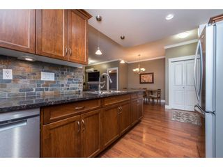 """Photo 8: 308 2068 SANDALWOOD Crescent in Abbotsford: Central Abbotsford Condo for sale in """"The Sterling 2"""" : MLS®# R2525526"""