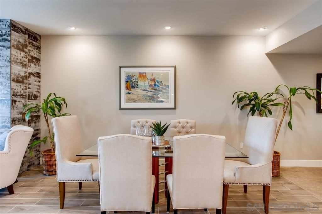 Photo 8: Photos: Condo for sale : 3 bedrooms : 3025 Byron St in San Diego