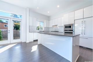 """Photo 9: 44 10388 NO. 2 Road in Richmond: Woodwards Townhouse for sale in """"Kingsley Estate"""" : MLS®# R2620163"""