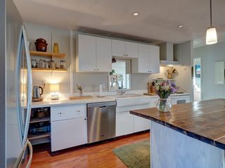 Photo 12: 727 TRICKLEBROOK Way in Gibsons: Gibsons & Area House for sale (Sunshine Coast)  : MLS®# R2531568