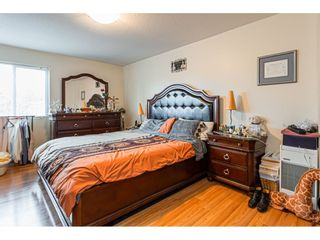 """Photo 10: 108 33850 FERN Street in Abbotsford: Central Abbotsford Condo for sale in """"Fernwood Manor"""" : MLS®# R2430522"""