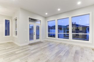 """Photo 5: 4488 STEPHEN LEACOCK Drive in Abbotsford: Abbotsford East House for sale in """"Auguston"""" : MLS®# R2589245"""