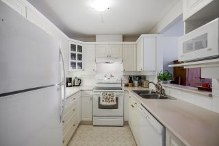 """Photo 8: 215 20448 PARK Avenue in Langley: Langley City Condo for sale in """"James Court"""" : MLS®# R2606212"""