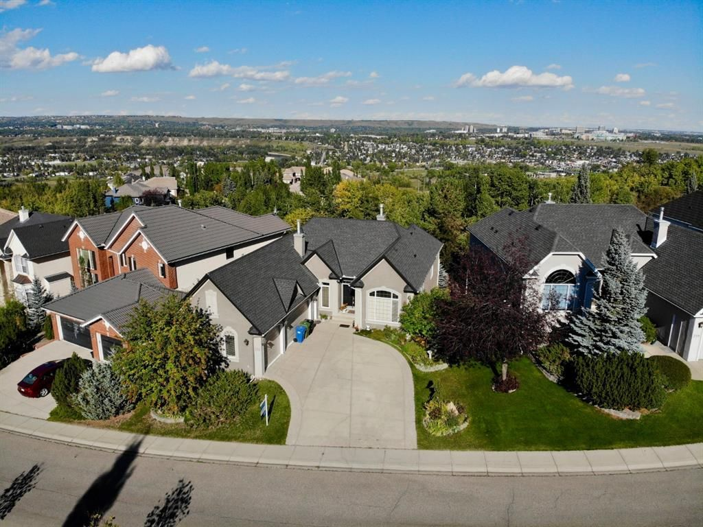Main Photo: 302 Patterson Boulevard SW in Calgary: Patterson Detached for sale : MLS®# A1104283