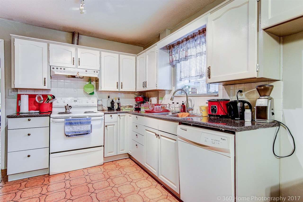 Photo 18: Photos: 5351 FRANCES Street in Burnaby: Capitol Hill BN 1/2 Duplex for sale (Burnaby North)  : MLS®# R2137960