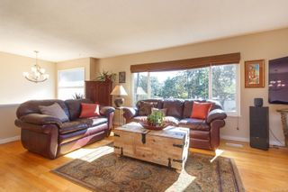 Photo 3: 3953 Margot Pl in : SE Maplewood House for sale (Saanich East)  : MLS®# 856689