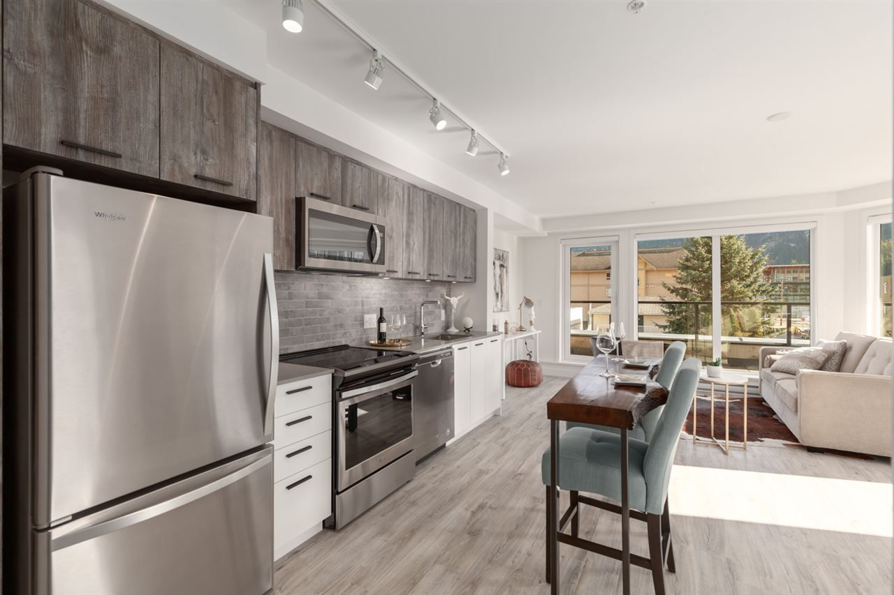 """Main Photo: 402 38013 THIRD Avenue in Squamish: Downtown SQ Condo for sale in """"THE LAUREN"""" : MLS®# R2426985"""