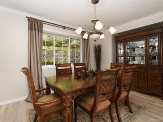 Photo 5: 3880 Mildred St in Saanich: SW Strawberry Vale House for sale (Saanich West)  : MLS®# 844822