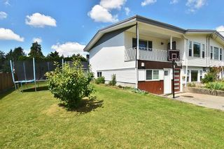 Photo 2: 3009 ROYAL Street in Abbotsford: Abbotsford West 1/2 Duplex for sale : MLS®# R2471917