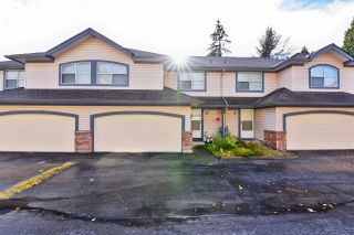 Photo 2: 16 8257 121A Street in Surrey: Queen Mary Park Surrey Townhouse for sale : MLS®# R2517651