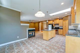 Photo 9: 3826 SEFTON Street in Port Coquitlam: Oxford Heights House for sale : MLS®# R2589276