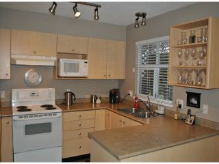 """Photo 5: # 86 18883 65TH AV in Surrey: Cloverdale BC Townhouse for sale in """"Applewood"""" (Cloverdale)  : MLS®# F1402311"""