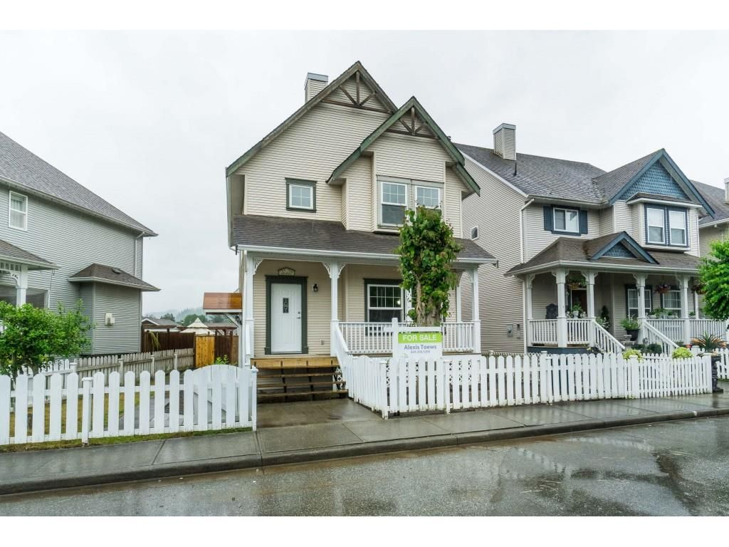 """Main Photo: 46410 CHESTER Drive in Chilliwack: Sardis East Vedder Rd House for sale in """"AVONLEA"""" (Sardis)  : MLS®# R2463780"""