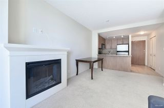 "Photo 4: 2010 892 CARNARVON Street in New Westminster: Downtown NW Condo for sale in ""AZURE II AT PLAZA 88"" : MLS®# R2461243"