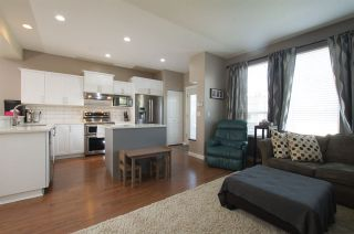 """Photo 3: 15157 61 Avenue in Surrey: Sullivan Station House for sale in """"Olivers lane"""" : MLS®# R2264526"""