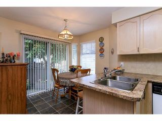 """Photo 9: 33 9168 FLEETWOOD Way in Surrey: Fleetwood Tynehead Townhouse for sale in """"The Fountains"""" : MLS®# F1414728"""