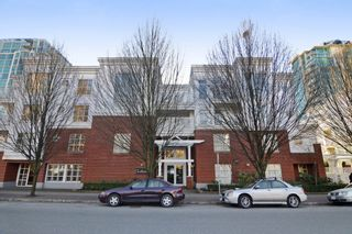 """Photo 1: 212 147 E 1ST Street in North Vancouver: Lower Lonsdale Condo for sale in """"The Coronado"""" : MLS®# R2136630"""
