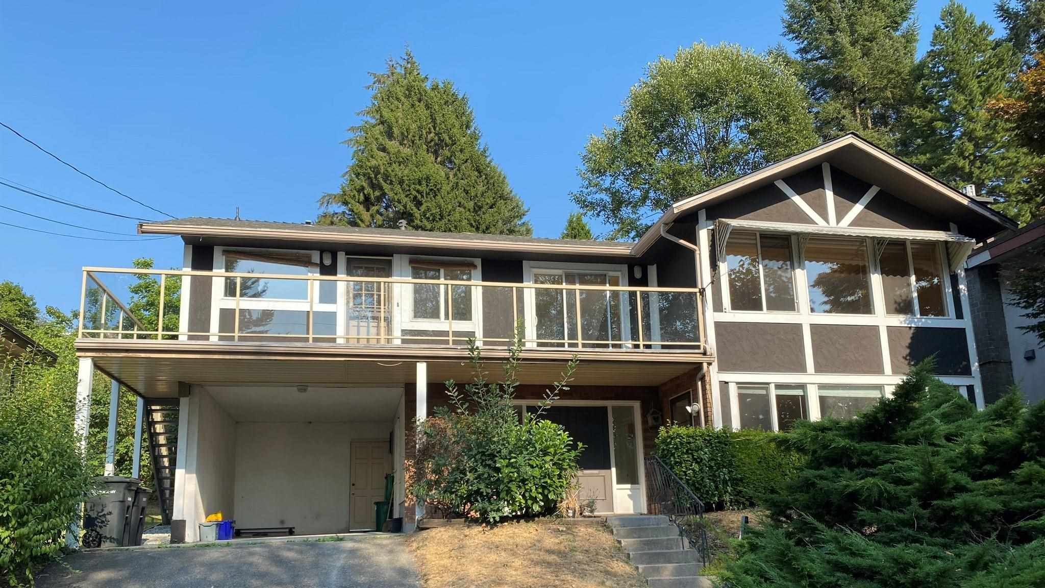 Main Photo: 324 N DELTA Avenue in Burnaby: Capitol Hill BN House for sale (Burnaby North)  : MLS®# R2607159