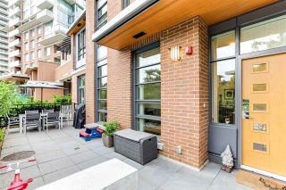 """Photo 5: 104 3096 WINDSOR Gate in Coquitlam: New Horizons Townhouse for sale in """"MANTYLA"""" : MLS®# R2602217"""