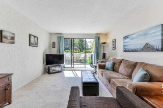 """Photo 3: 115 1442 BLACKWOOD Street: White Rock Condo for sale in """"Blackwood Manor"""" (South Surrey White Rock)  : MLS®# R2433629"""