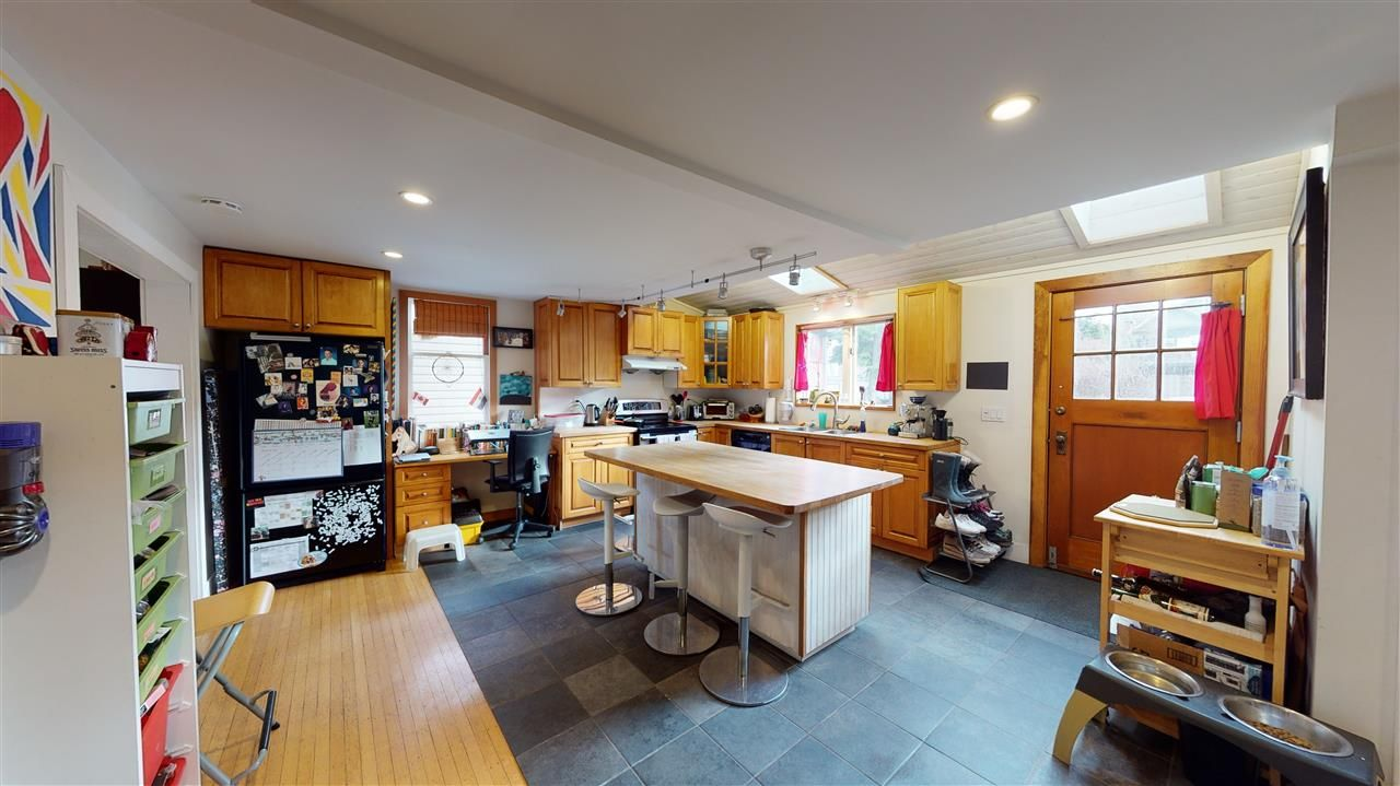 Photo 8: Photos: 1370 E 18TH Avenue in Vancouver: Knight House for sale (Vancouver East)  : MLS®# R2529375