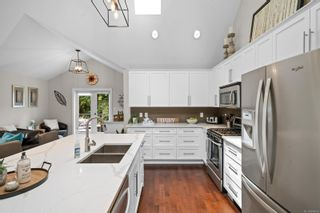 Photo 18: 2016 Stellys Cross Rd in : CS Saanichton House for sale (Central Saanich)  : MLS®# 884936