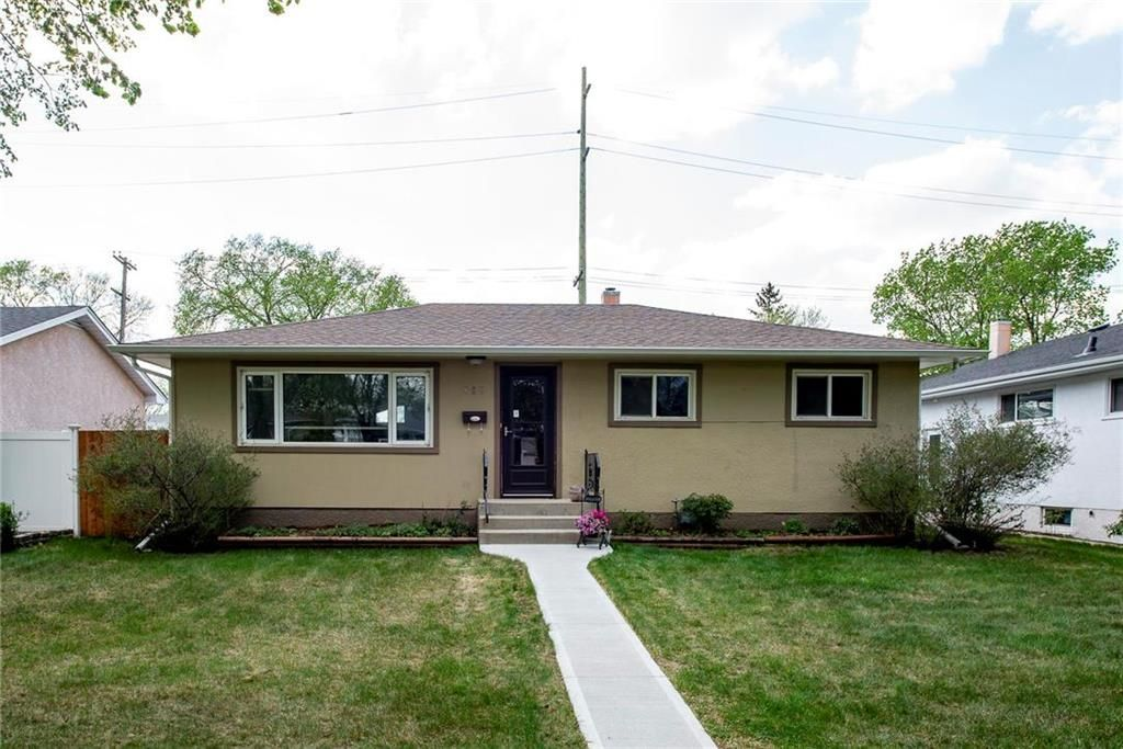 Main Photo: 889 Borebank Street in Winnipeg: River Heights South Residential for sale (1D)  : MLS®# 202111515