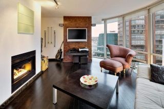 """Photo 9: 909 1500 HORNBY Street in Vancouver: Yaletown Condo for sale in """"888 BEACH"""" (Vancouver West)  : MLS®# R2020455"""