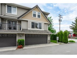 Photo 1: 8 46568 FIRST Avenue in Chilliwack: Chilliwack E Young-Yale Townhouse for sale : MLS®# R2268083